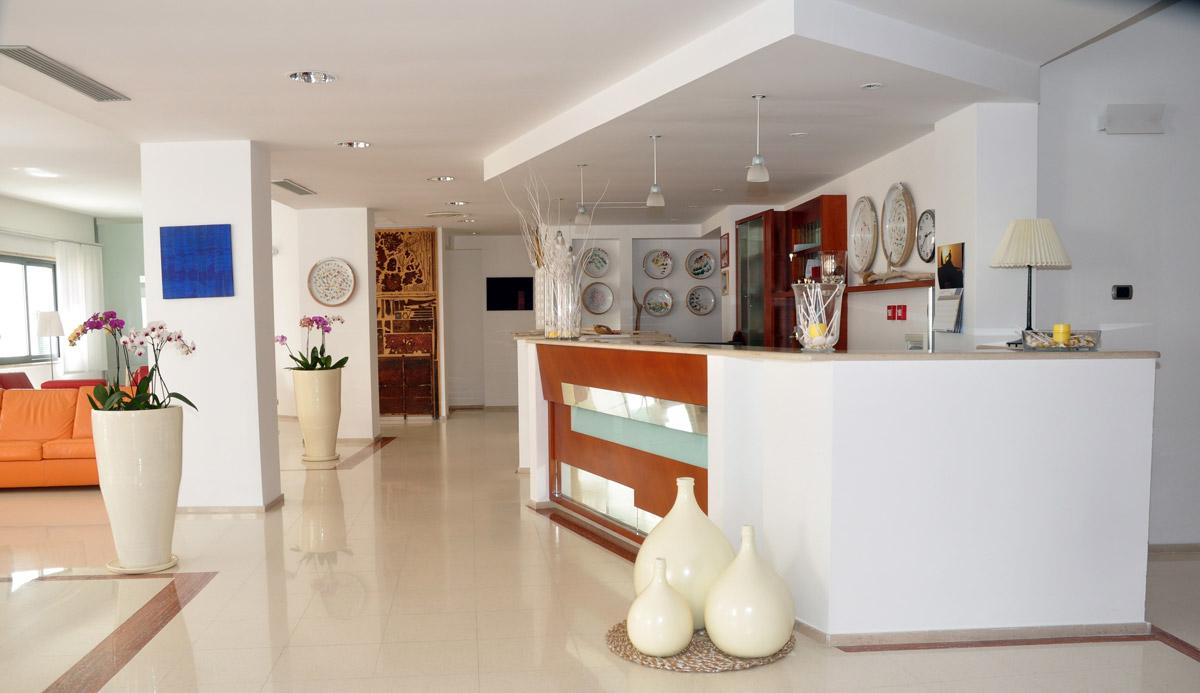 Holle-hotel-albania